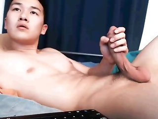 Amateur,Masturbation,Solo,Asian,Twinks,gay This big Asian...