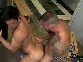 Anal,Cumshot,Masturbation,Big Cock,Hunks,Blowjob,muscle,gay Well hung boxer...