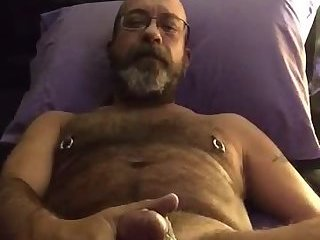 Amateur,Masturbation,Solo,Mature,hairy,daddy,glasses,gay Hot dad busts a...